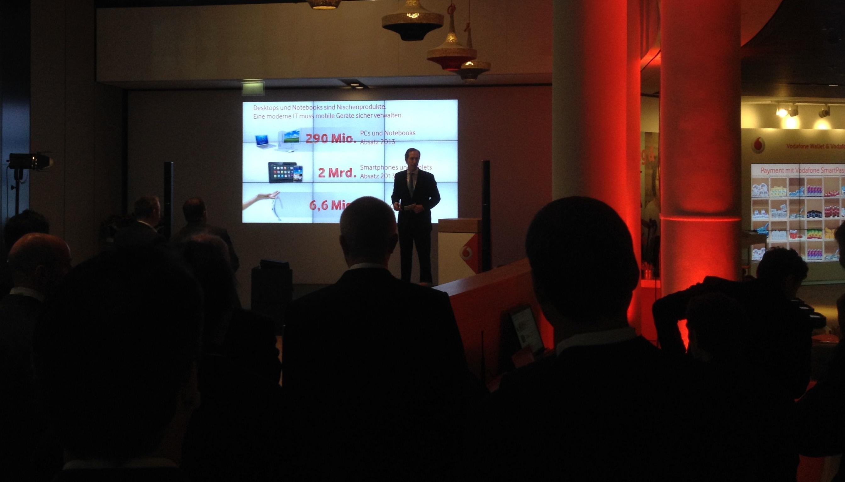Vodafone Innovation Days - 2013 Smartphone und Tablets Absatz bei 2 Mrd.: Philip Lacor, Vodafone Geschäftsführer Firmenkundengeschäft